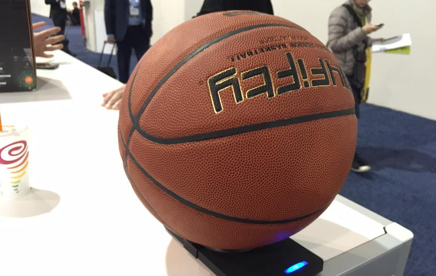 CES 2015: This basketball has a brain and helps players improve their game