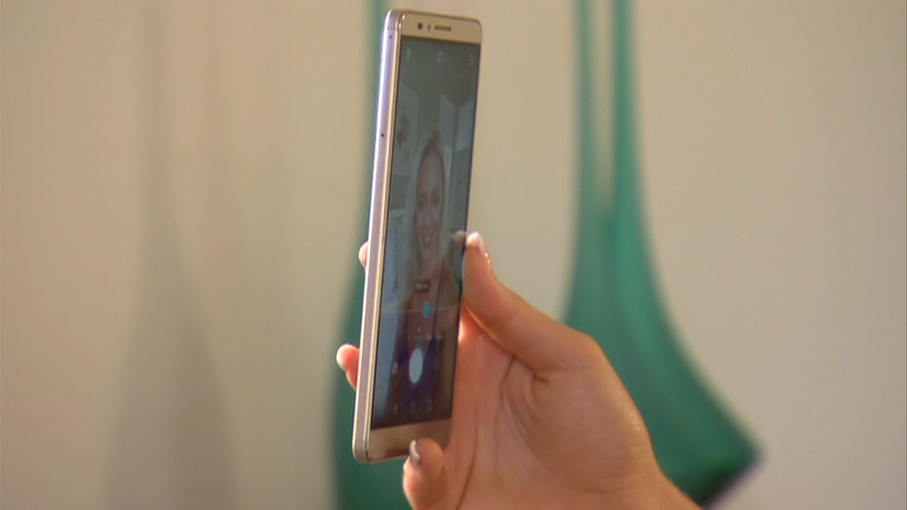 CyberShack TV: Selfies with the Huawei Ascend Mate7